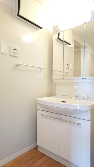 サントラップ / 401号室洗面所