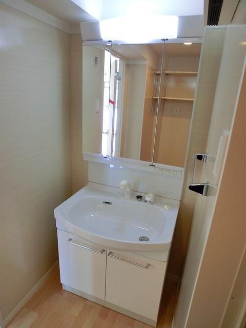 ココテラスK / 303号室洗面所