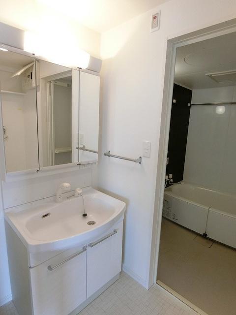 プレミールM / 505号室洗面所
