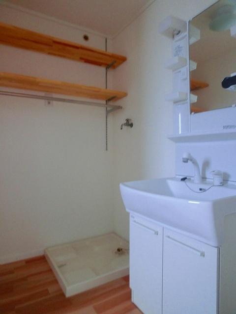 メゾーンハウス83 / 201号室洗面所