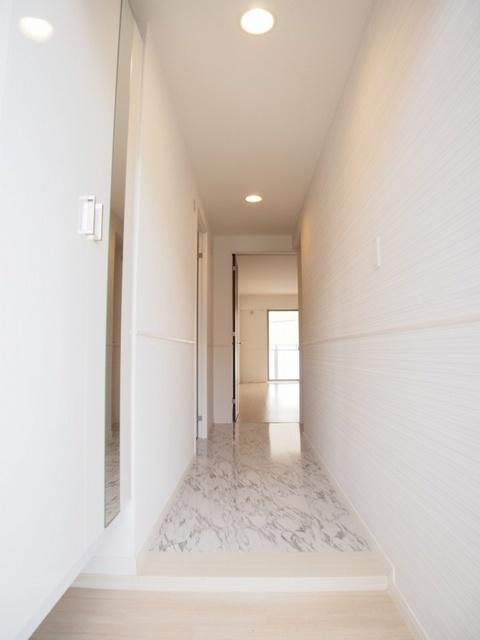 プラス カナール / 402号室玄関