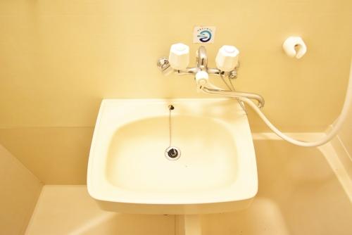 リトルマーメイド / 101号室洗面所
