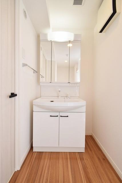 アンビエントN / 503号室洗面所