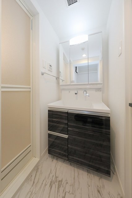 クレアS / 401号室洗面所