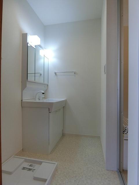 和田3丁目永隈貸家 / 1号室洗面所