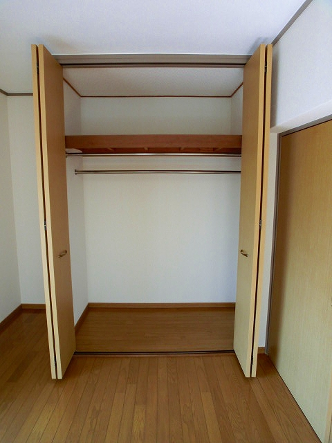 エクセレント12 / 201号室収納