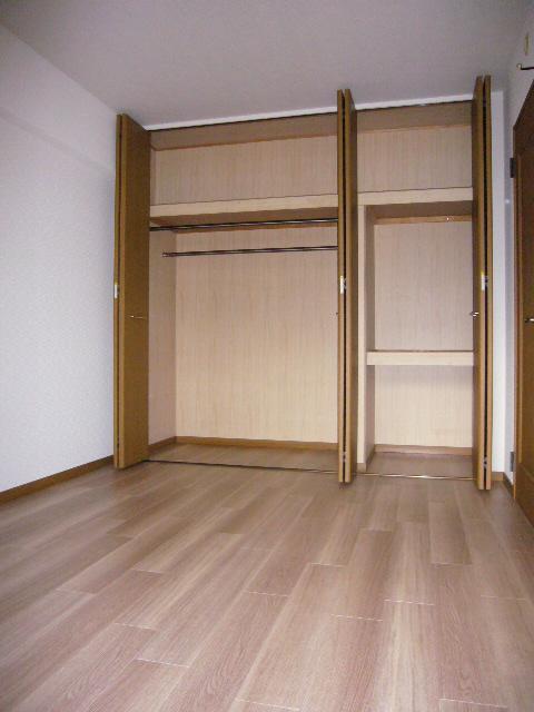 パラディ211 / 101号室収納