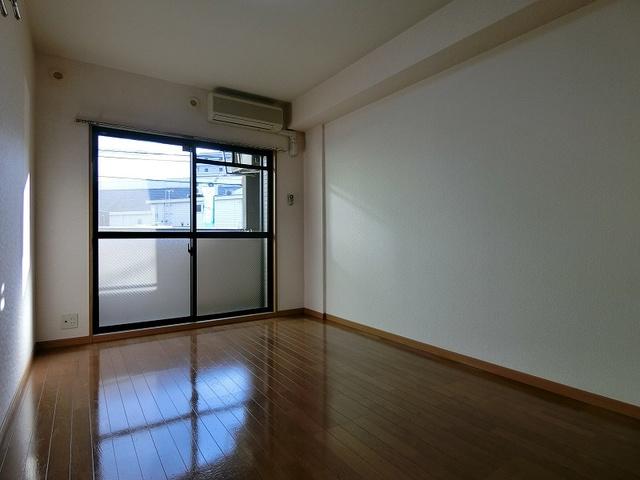 コンフォール井尻 / 101号室