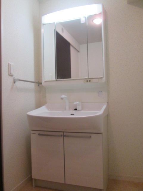 ソルモンテはかた / 603号室洗面所