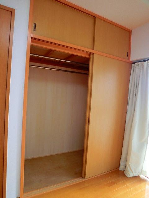 船越(義)ビル / 305号室収納