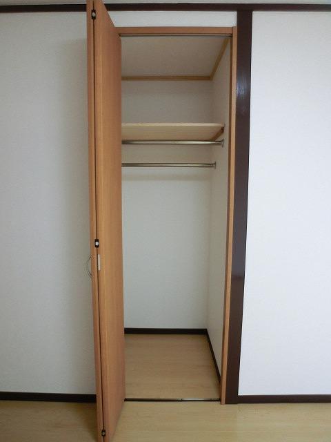 船越(義)ビル / 403号室収納