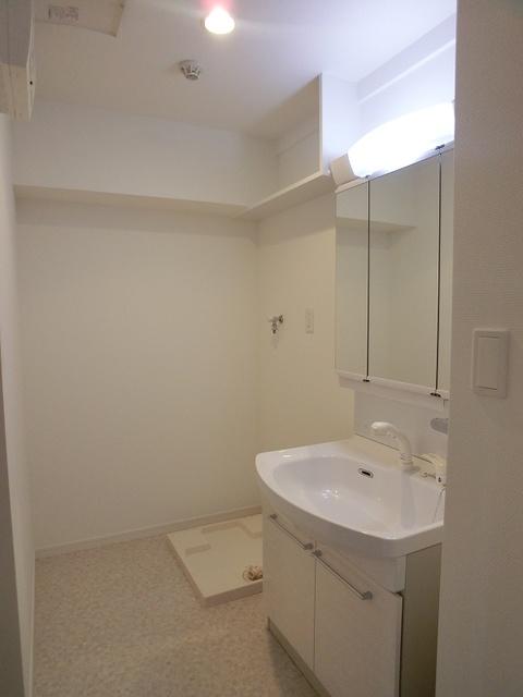 シャトーポルターダ博多南 / 602号室洗面所