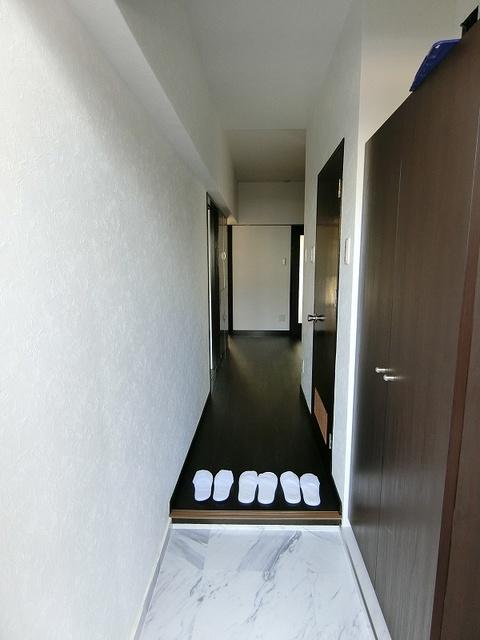 紙屋ビル / 106号室玄関