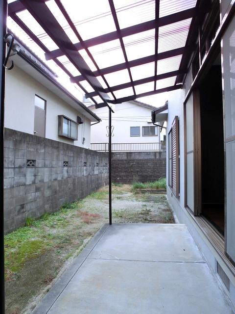 渡辺貸家 / 5号号室庭