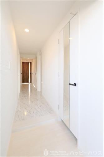 エミリーナ / 301号室玄関