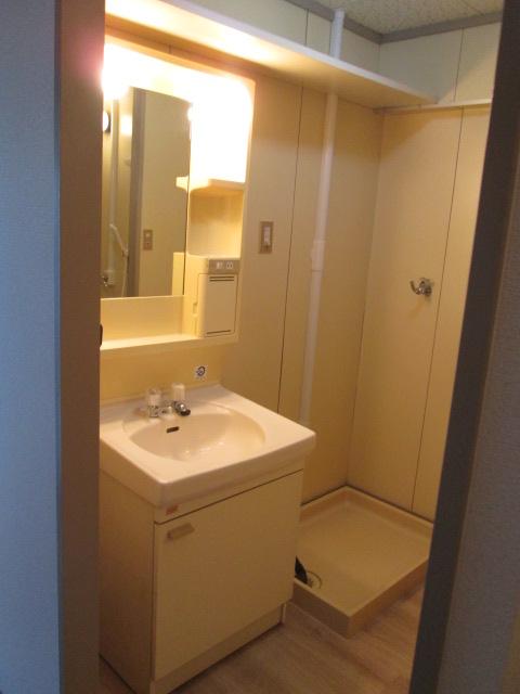 三丁目ビル / 201号室洗面所