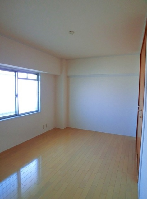エクセレント36 / 606号室洋室