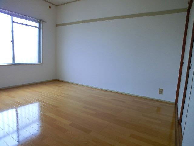 メゾンコーポ24 / 103号室洋室