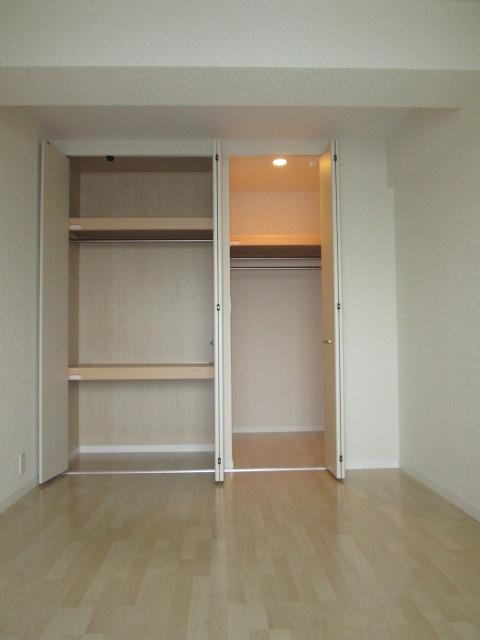 イーストパル博多Ⅱ / 402号室収納