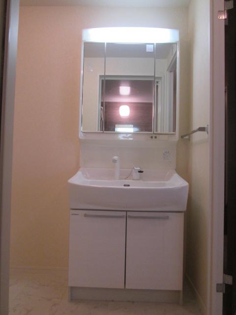 ソルモンテはかた / 501号室洗面所