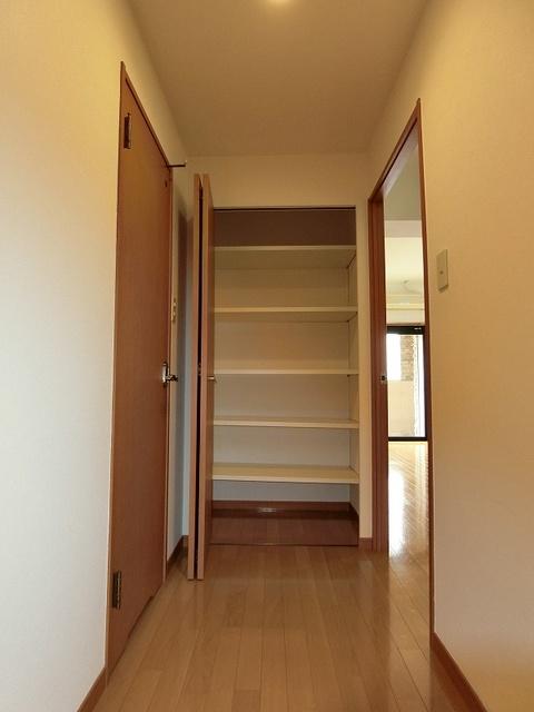 サンパティーク高宮 / 401号室収納