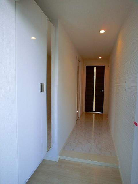 ココテラスK / 303号室玄関