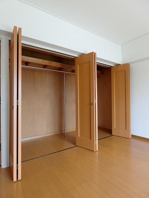 紙屋ビル / 502号室収納