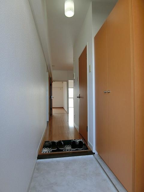 紙屋ビル / 505号室玄関