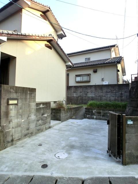 渡辺貸家 / 5号号室駐車場