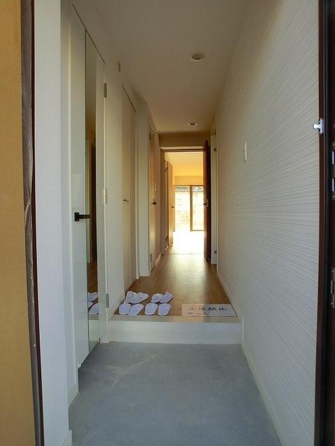 プラス カナール / 303号室玄関