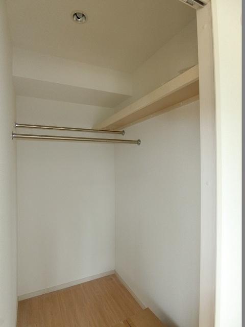 ドエル大橋南 / 103号室収納