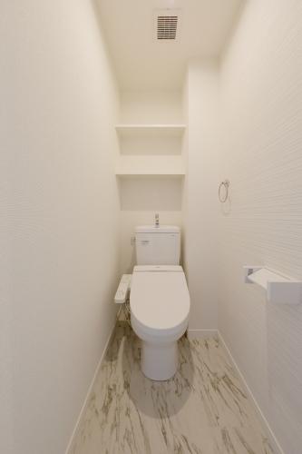 ココテラスL / 106号室トイレ