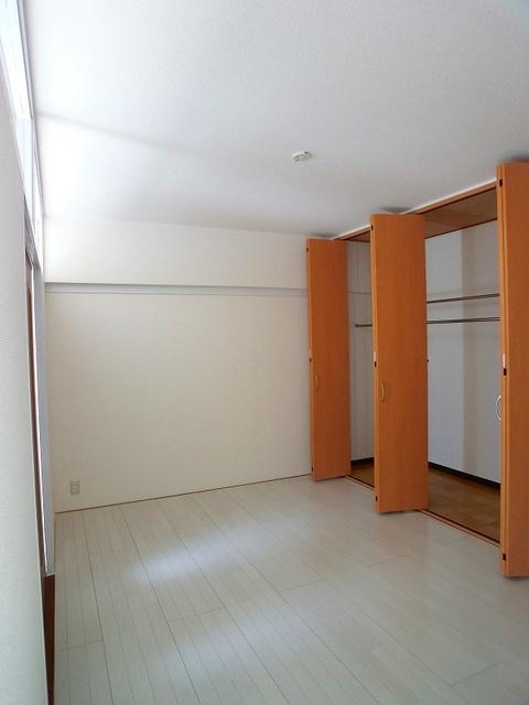 エクセレント36 / 202号室洋室