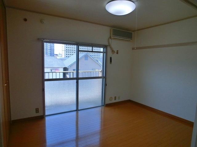 山本ビル / 103号室洋室