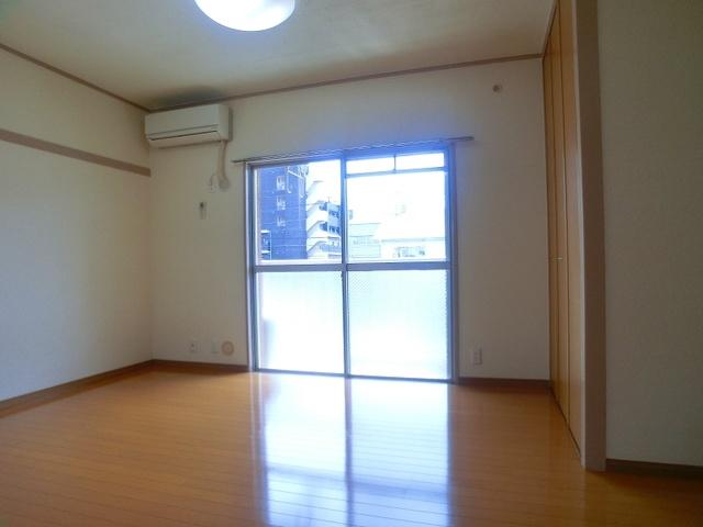 山本ビル / 206号室