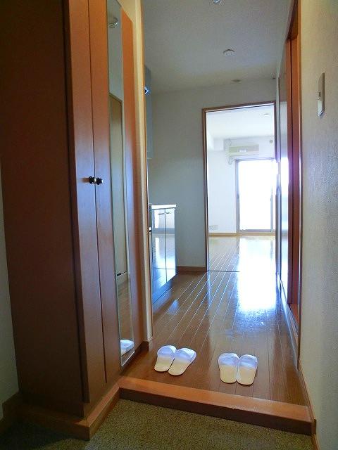 BRILLIANT36 / 703号室玄関