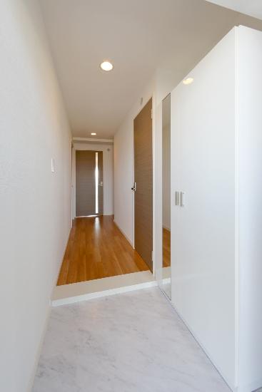 サントラップ / 301号室玄関