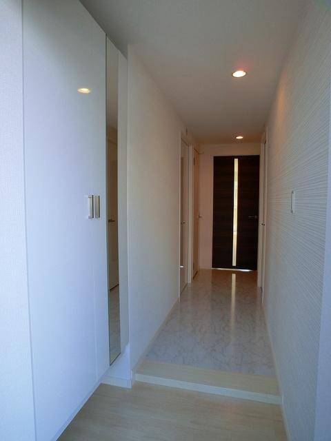 ココテラスK / 305号室玄関