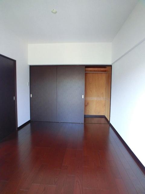 紙屋ビル / 302号室洋室
