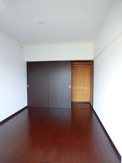 紙屋ビル / 406号室洋室