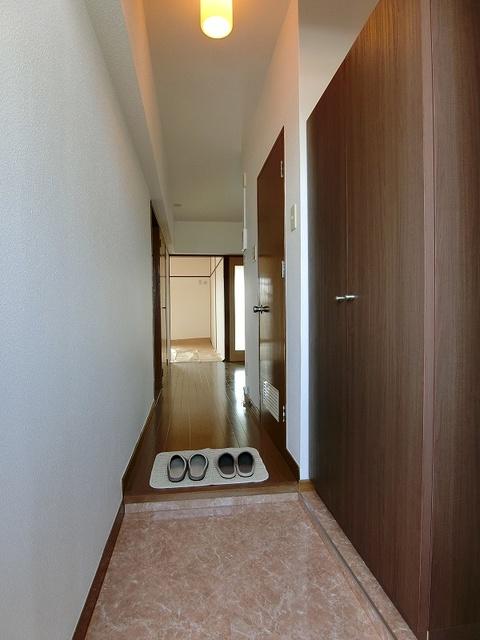 紙屋ビル / 506号室玄関