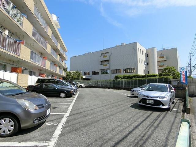 メゾーンハウス83 / 201号室駐車場