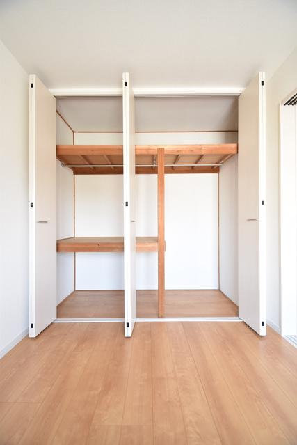 メゾーンハウス83 / 203号室収納