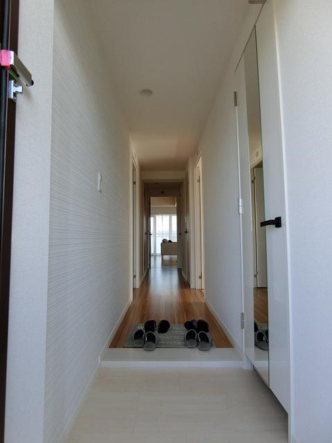 プラス カナール / 205号室玄関