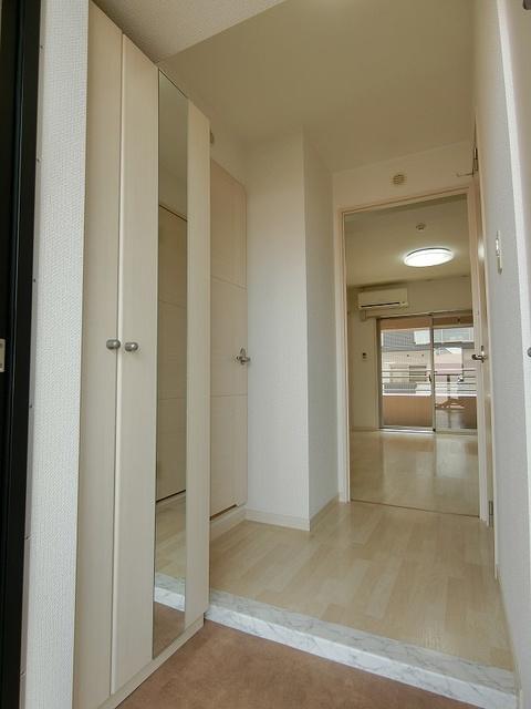 ラヴィ ヌーヴォ / 702号室玄関