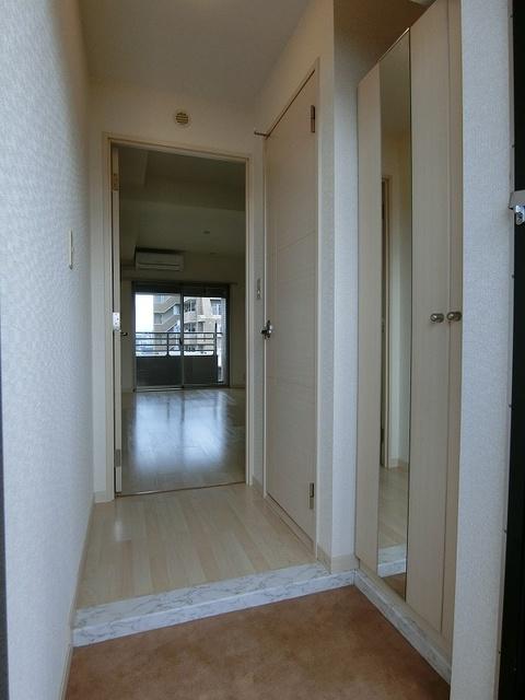 ラヴィ ヌーヴォ / 801号室玄関