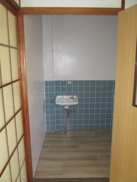 永松ビル / 201号室洗面所