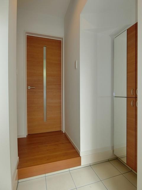 メゾングレイス / 102号室玄関