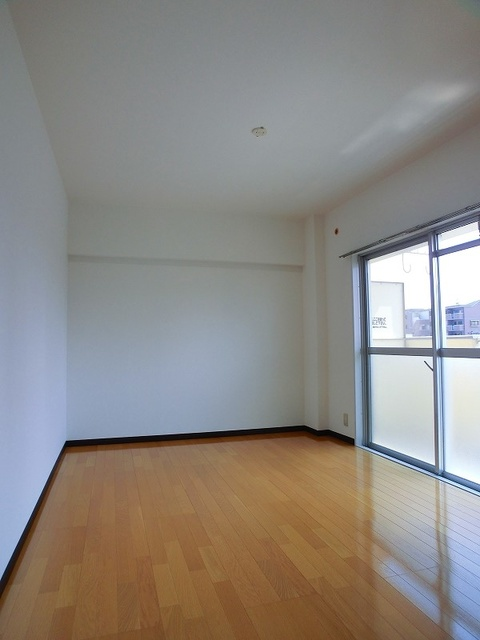 エクセレント36 / 403号室洋室