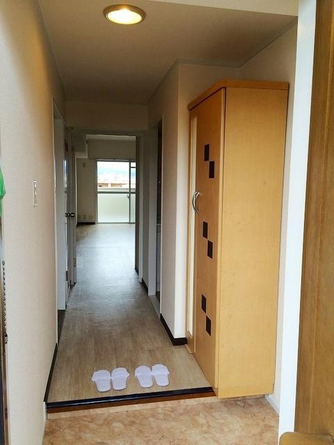 エクセレント36 / 406号室玄関